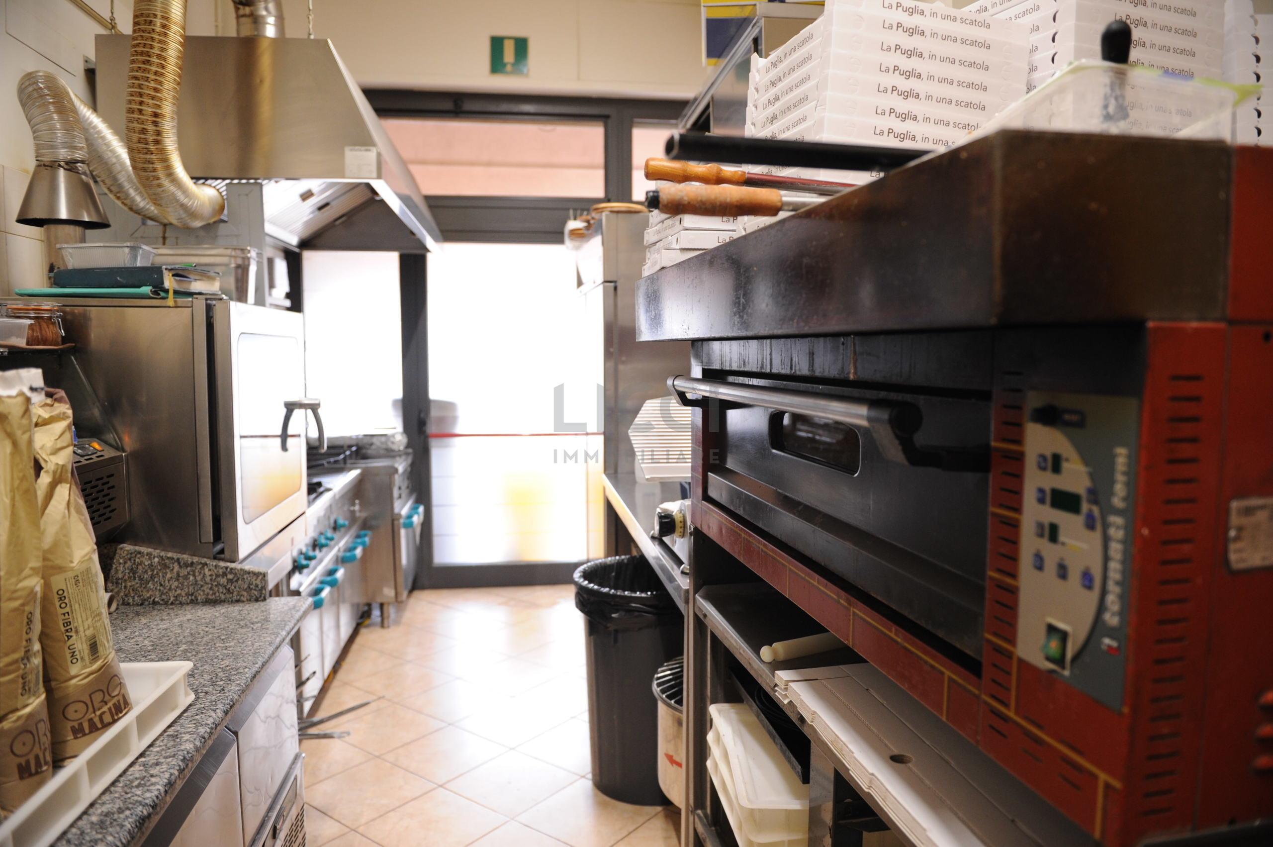 Ristorante Pizzeria a Monopoli, Semicentrale